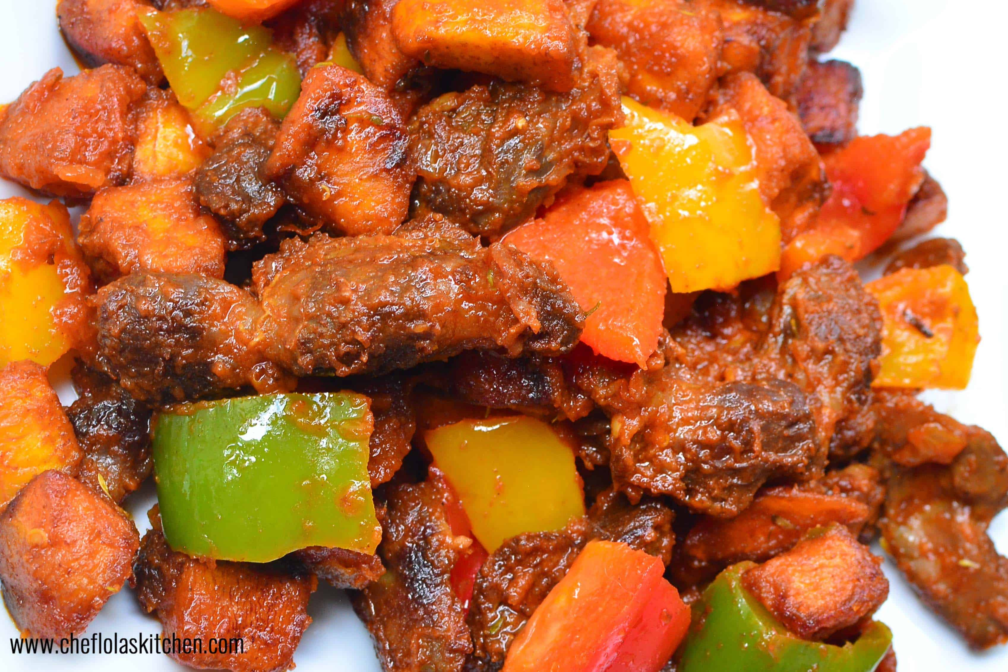 Close up picture of Nigerian Gizdodo recipe served up in a plate