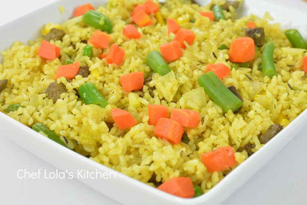 Nigerian Fried Rice recipe, quick and easy fried rice recipe, this fried rice recipe can be eaten for lunch. This fried rice recipe is an easy dinner recipe for the family,