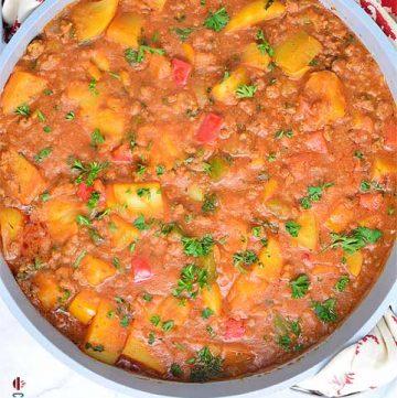 Potato porridge (Potato pottage) made with potatoes and ground beef