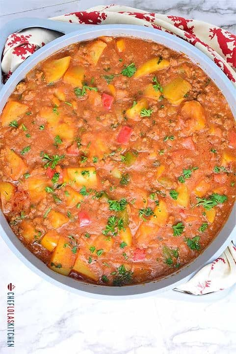 Potato porridge (Potato pottage) made with potatoes and ground beef