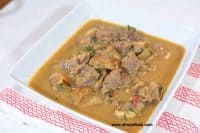 NIGERIAN PEPPER SOUP – GOAT MEAT (VIDEO)
