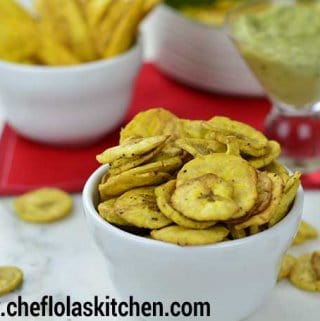 baked plantain chips top view