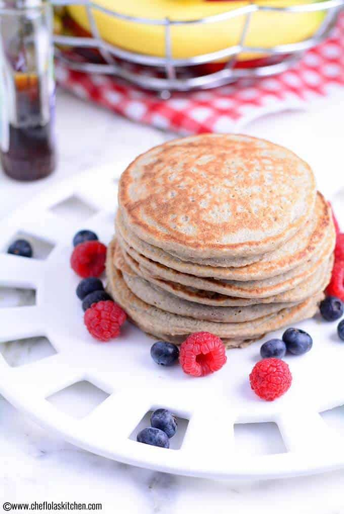 No-Flour Healthy Banana Oatmeal Pancakes