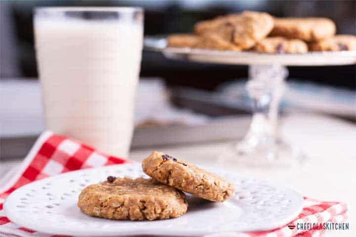 You don't need any exotic or hard to find ingredients to make these healthy peanut butter cookies.
