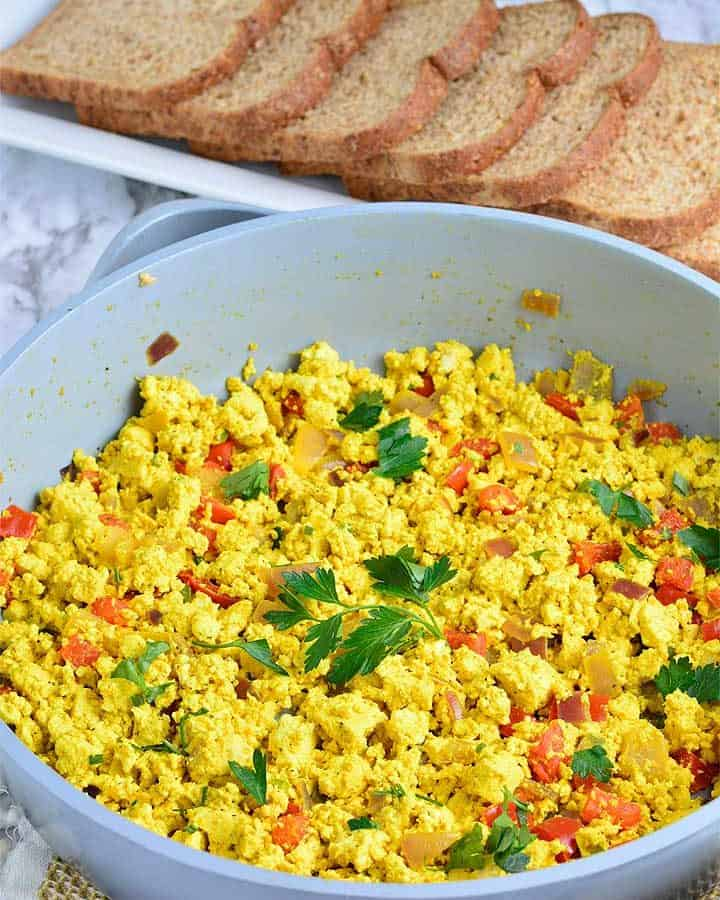 How to make Breakfast Tofu Scramble