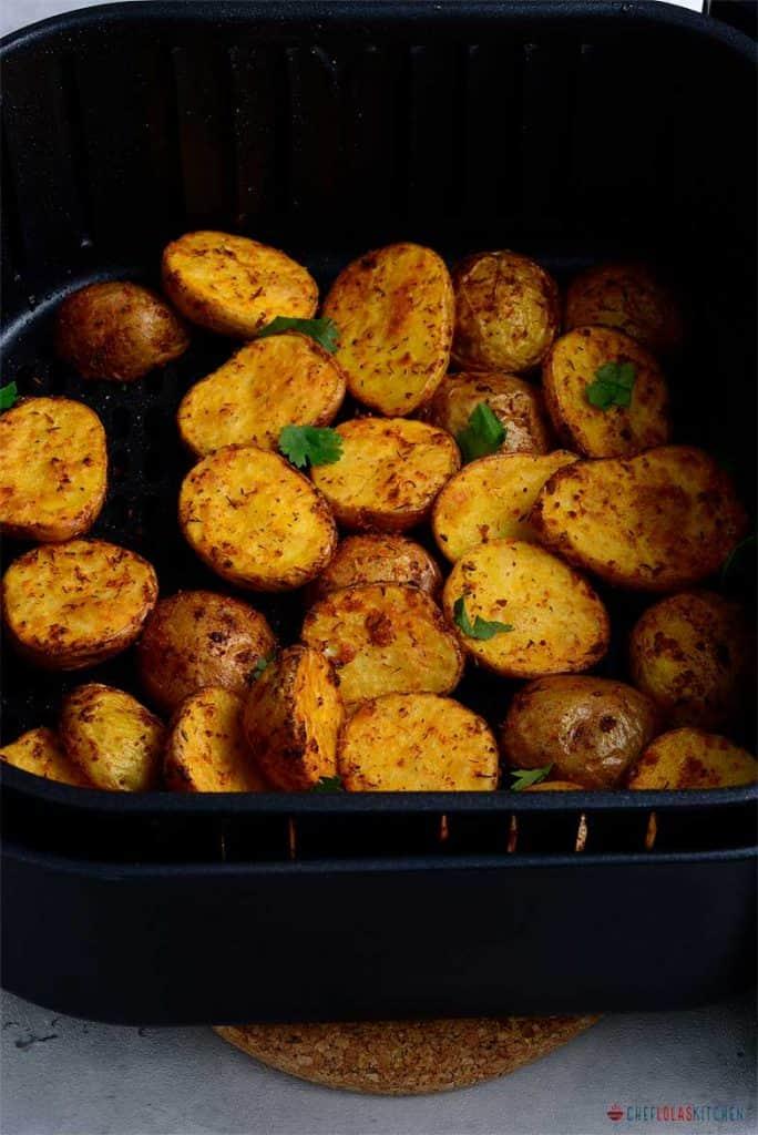 Air fryer baby potattoes