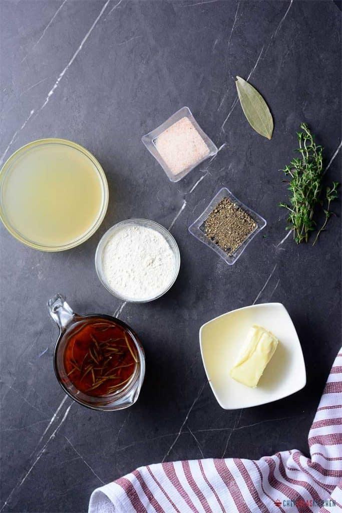 Ingredients for making Turkey gravy
